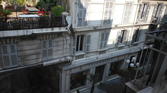 Hotel le Petit Trianon: View from the room