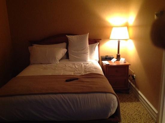 Hotel Manoir Victoria : room