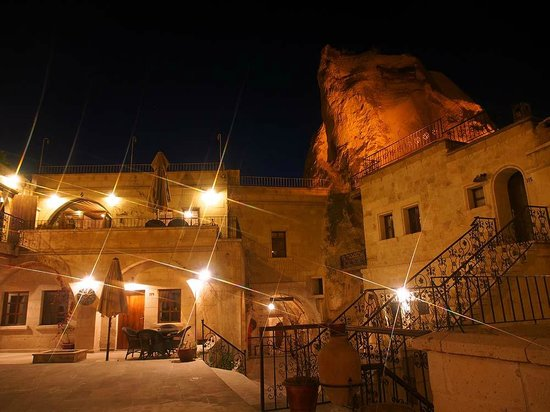 Cappadocia Cave Suites: CCS at night 2
