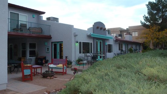 Cozy Cactus Bed and Breakfast: Back of the B&B