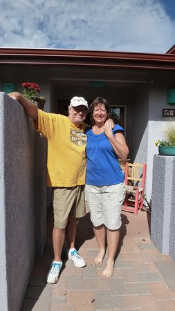 Cozy Cactus Bed and Breakfast: Mark & Carrie at the front door