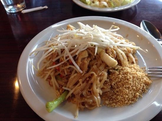 Sila Thai Cuisine: Chicken Pad Thai at Sila