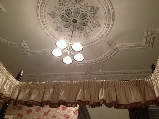 Ard-na-said: View of the ceiling from the four-poster bed