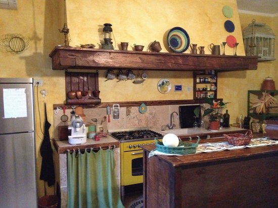 Agriturismo Il Civilesco : Kitchen in the Great Room.