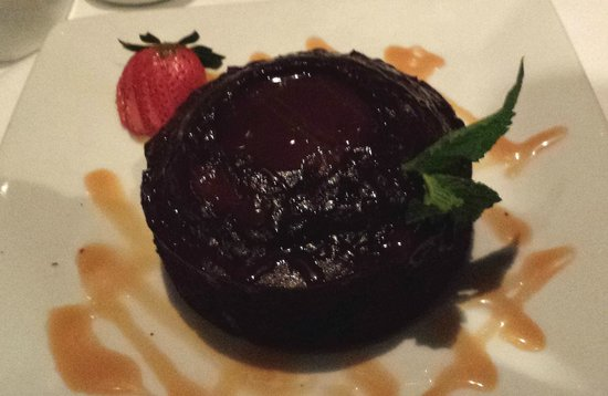Ruth's Chris Steak House: Molten Chocolate Cake w/ Scoop of ice