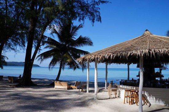 Peter Pan Resort: nice bar & stunning beach