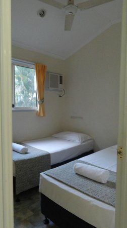 Ellis Beach Oceanfront Bungalows: Twin room