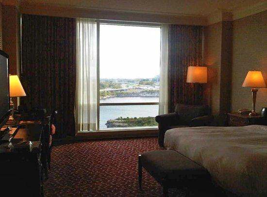 Hilton Lac-Leamy: Water view