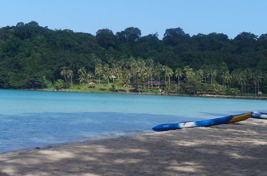 the beach in the morning @ peter pan resort