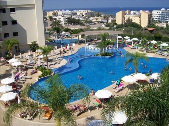 Brilliant Hotel Apartments : pool