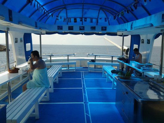 Scuba Diving Phuket PP: relax and eat here