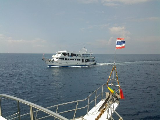 Scuba Diving Phuket PP: sister boat Somboon 3