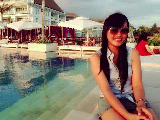 Lv8 Resort Hotel: Lia Hendrayani