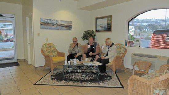Edgewater Inn & Suites : Завтрак был на ресепшен