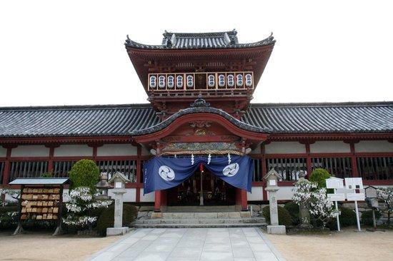Isaniwa Shrine: こちらが社殿です。