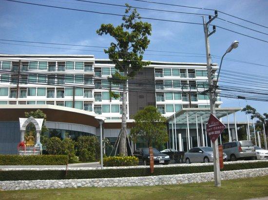 Amari Hua Hin: фасад отеля