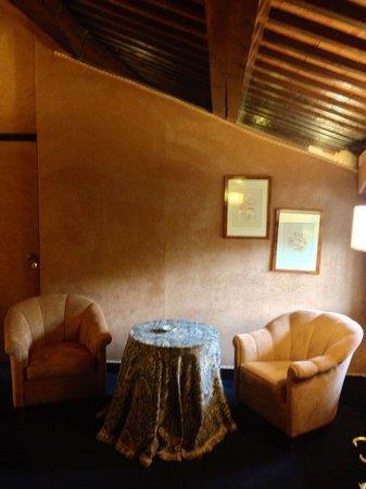 Relais Villabella : L'angolo salotto nella Suite numero 23.