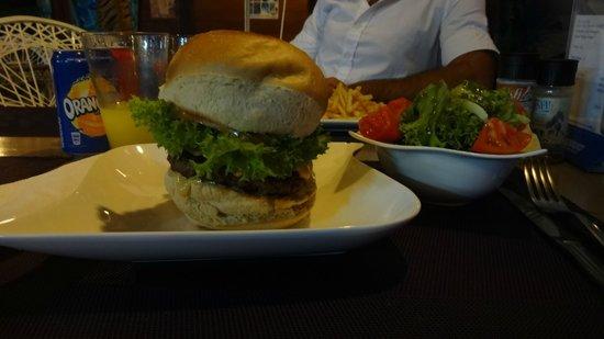 Fare La Canadienne : Burger au chèvre, huum!
