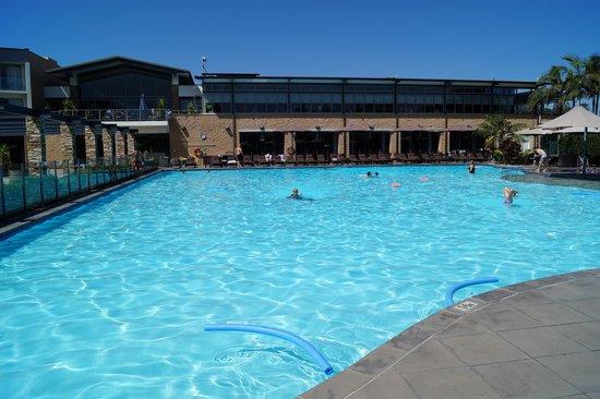 Crowne Plaza Hunter Valley: Swimming pool