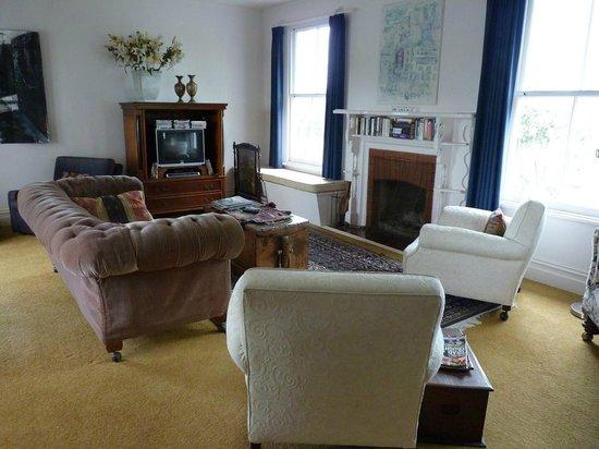 Pedfield Country House B&B : Salón con chimenera