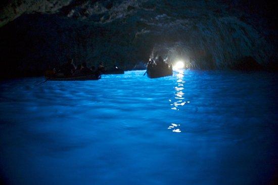 Il Giardino dell'Arte: Blue cave