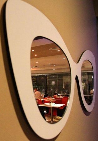 Wangz Hotel: Reflection