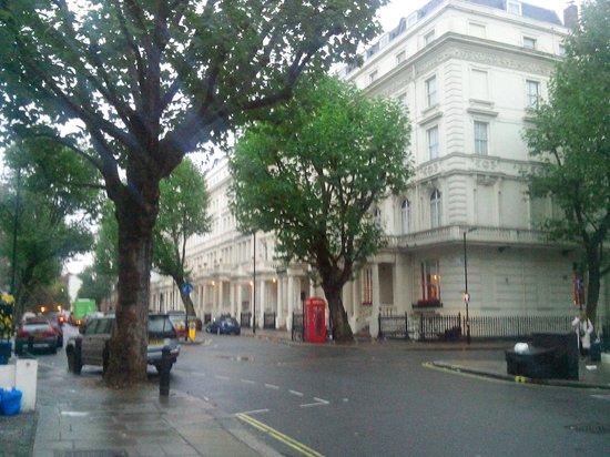 Shaftesbury Hyde Park International: Front View