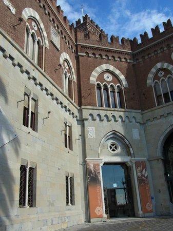 Castello d'Albertis : Castello