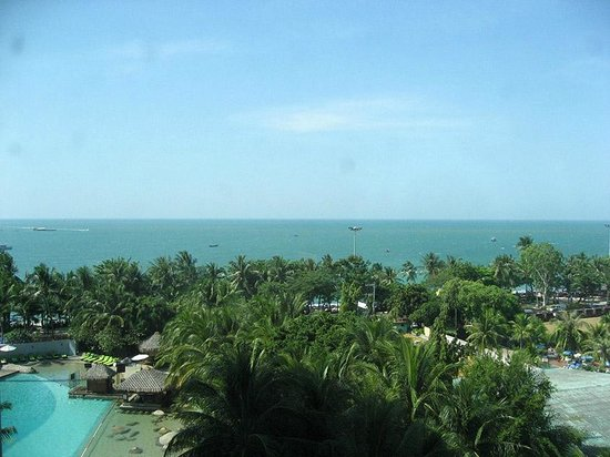 Hard Rock Hotel Pattaya : The Pattaya Beach, view from our room