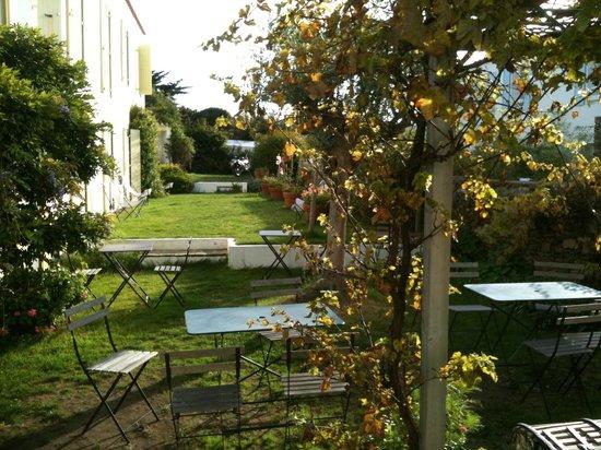 Le jardin int rieur et la terrasse picture of hotel l for Le jardin interieur