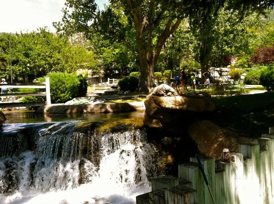 Johnson Park Miniature Golf: One of the many waterfalls thru the park