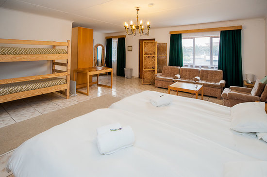 Intermezzo Guesthouse: 4 bed Family unit