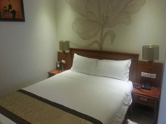 Au Lac II Hotel: Bed 2 (Family Room)