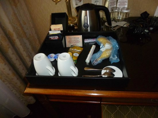 Moscow Marriott Royal Aurora Hotel: They even tied up my mess at the desk