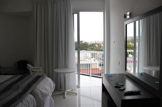 smartline Napa Tsokkos Hotel : номер, балкон