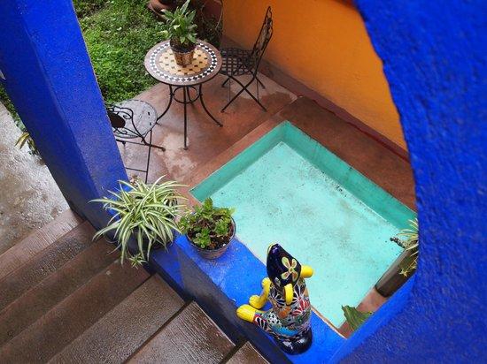 Maria Del Alma: Small pool