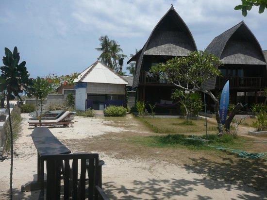 Suka Beach Bungalow: les lumbungs