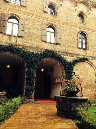 Il Castello di Stigliano: Ingresso del castello