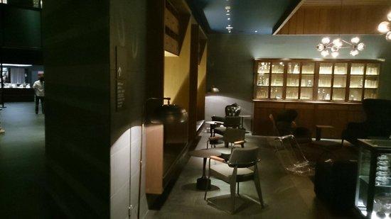 Le Meridien Zhengzhou : View of the Lobby Lounge