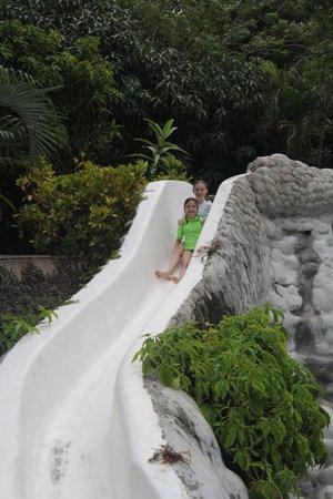 Coco Beach Resort : Water slide
