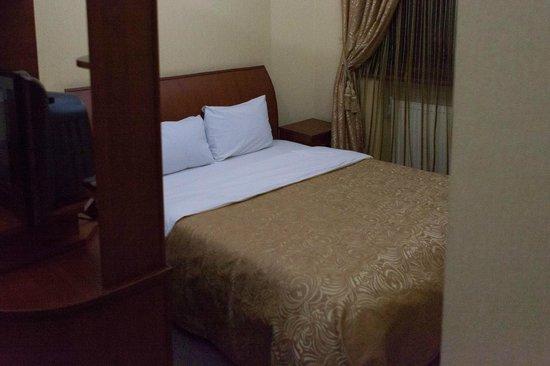 Aeetes Palace Hotel : спальное место номера