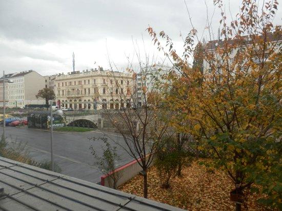 Ibis Wien City: Vista a la parte trasera del hotel
