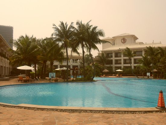 HNA  Resort Haikou: view from the beach