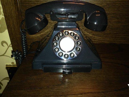 The Sanctuary House Hotel: Téléphone d'époque