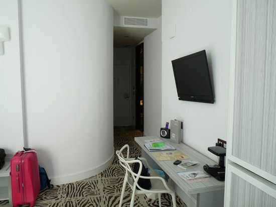 Petit Palace Lealtad Plaza : La chambre