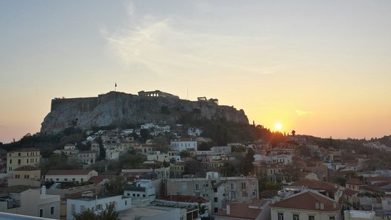 Central Athens Hotel: Roof top, terrasse sur le toit de l'hotel à l'heure de l'apero