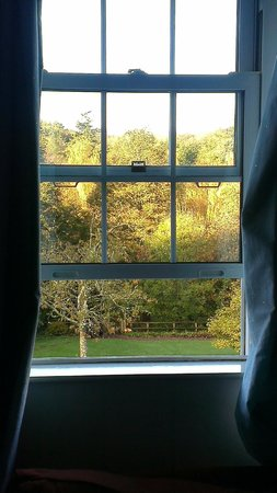 Fox and Hounds Country Hotel: A lovely view to wake up to