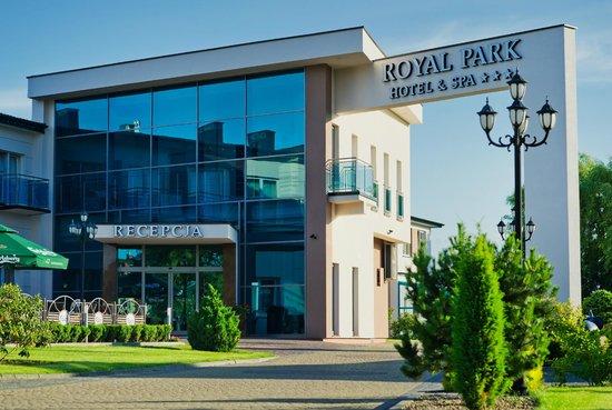 Royal Park Hotel & Spa: Hotel entrance