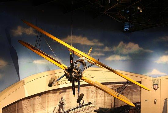 Museum of Aviation : Un Stearman caché au plafond