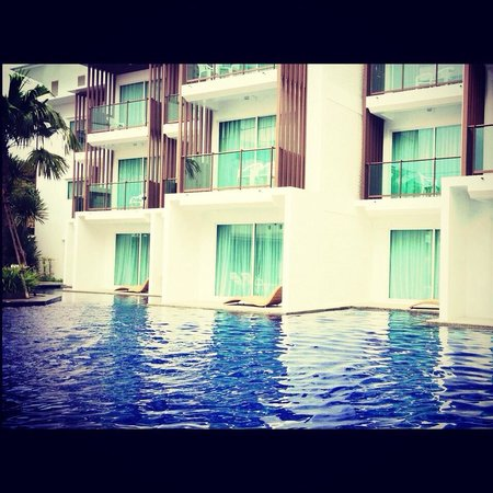 Prima Villa Hotel: pool access with salted water pool